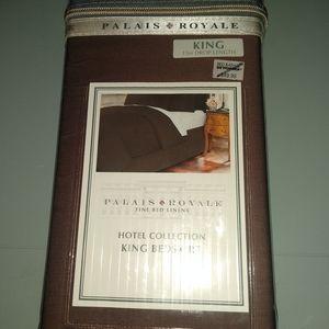 "Palais Royale King 15"" Brown Bed Skirt"